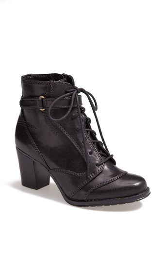 Naturalizer Davina Leather Bootie - Lyst