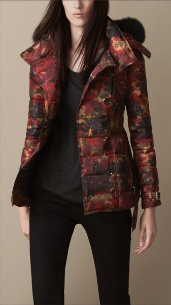 Burberry Abstract Camouflage Print Puffer Jacket with Fur Trim - Lyst