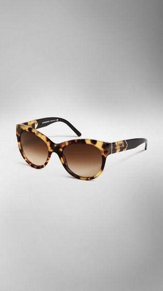 Burberry Epaulette Detail Cateye Sunglasses - Lyst