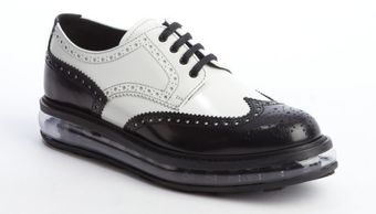 Prada Black and White Shined Leather Clear Midsole Laceup Oxfords - Lyst