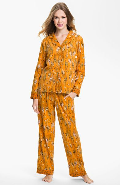 Munki Munki Flannel Pajamas in Orange (orange giraffes)