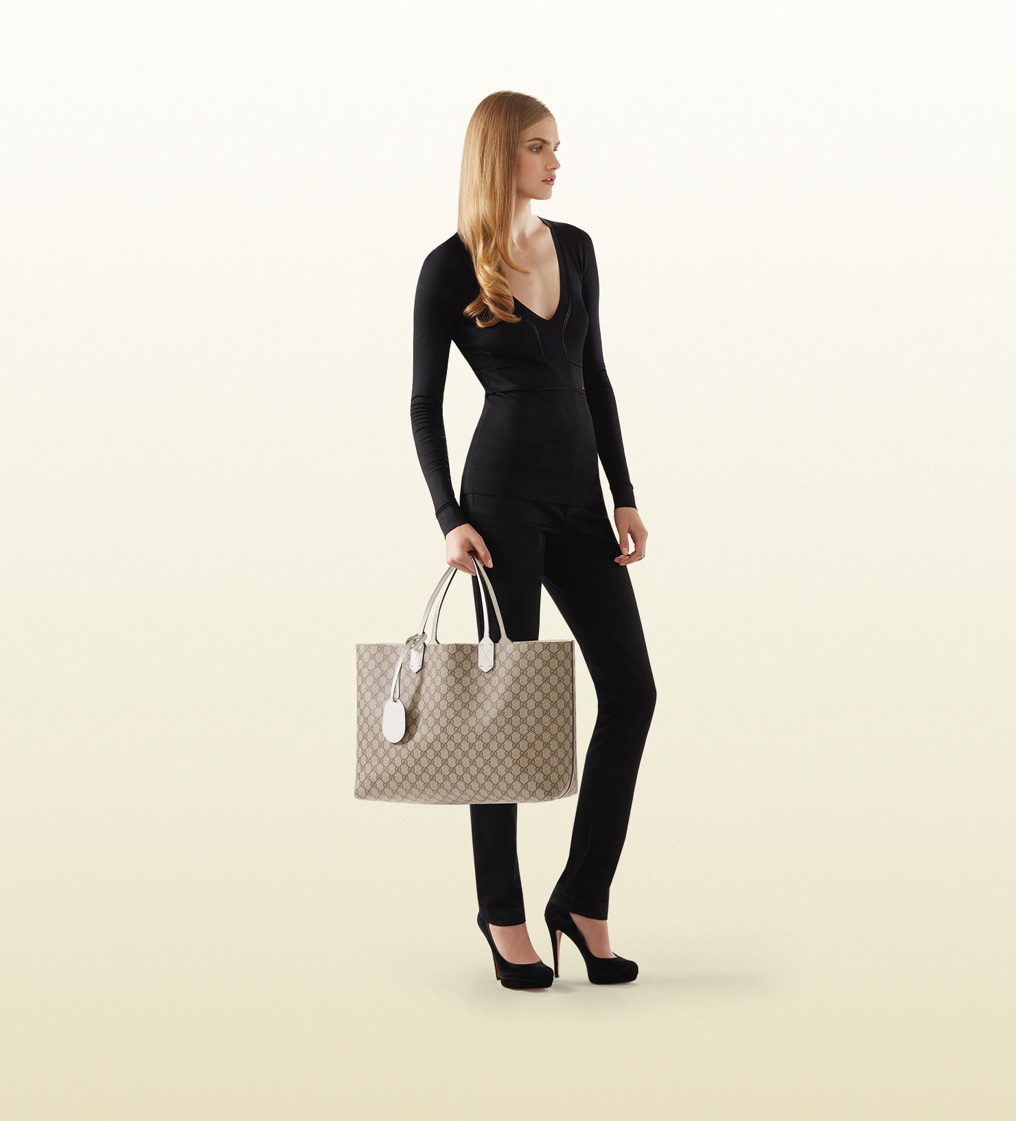 da8a914417e6 Gucci Reversible Gg Leather Tote in White - Lyst
