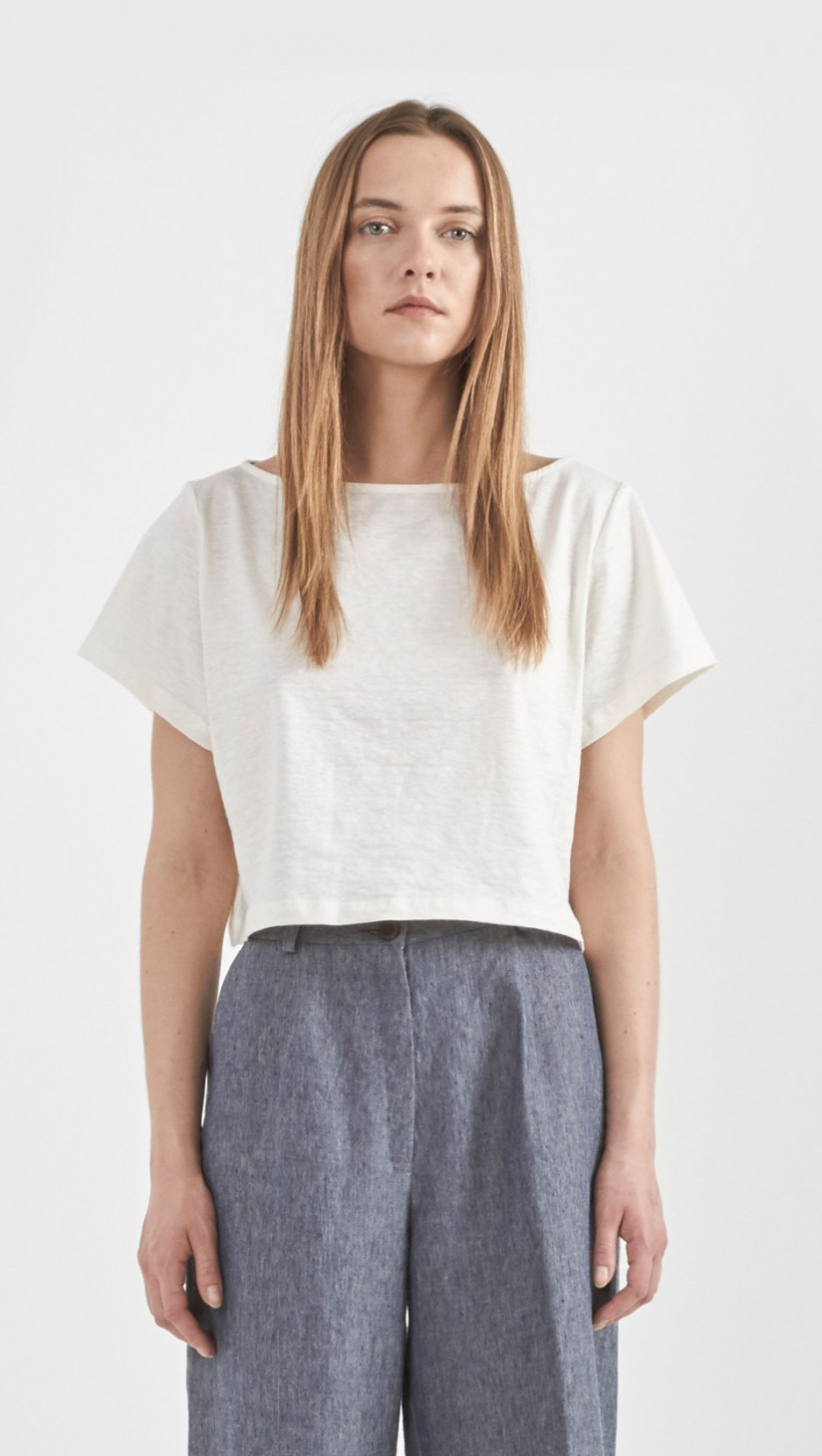 cpdlp9wivh506.ga: cropped white t shirt. Short Sleeve Plain Tee Cropped Top. CHOiES record your inspired fashion Choies Women's Basic Crop Tank Top White Basic Sleeveless Sports Crop T-Shirt. by CHOiES record your inspired fashion. $ - $ $ 10 $ .