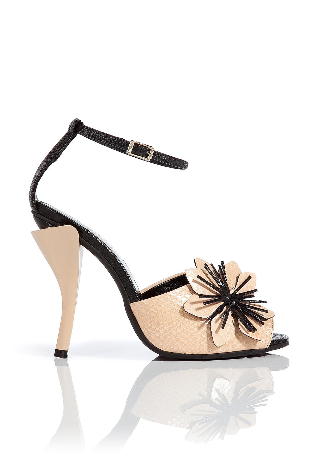 764ff8428898c1 Lyst - Fendi Leather Flower Embellished Sandals - Rose in Black