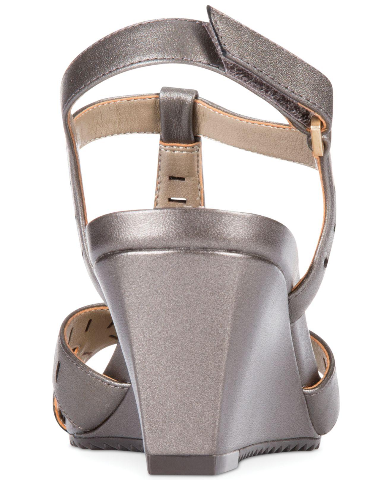 Lyst Easy Spirit Lula Platform Wedge Sandals In Metallic