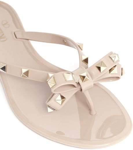 Valentino Studded Bow Flat Jelly Sandals In Beige Neutral