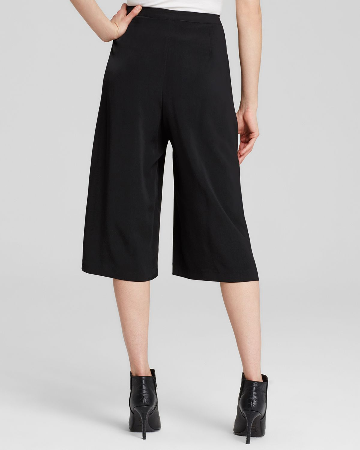 lyst calvin klein pleat front culottes in black. Black Bedroom Furniture Sets. Home Design Ideas