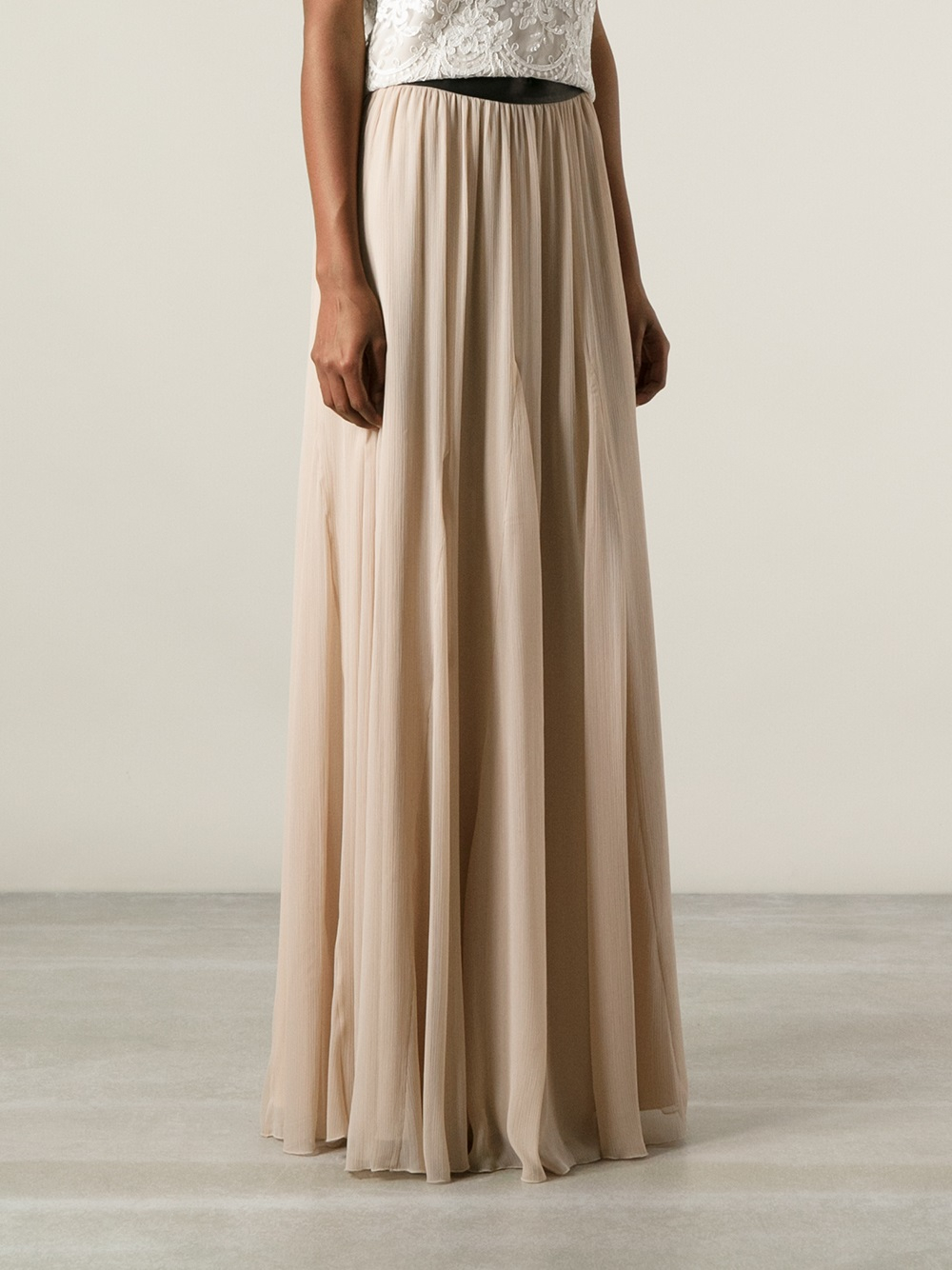 alice olivia maxi skirt in natural lyst