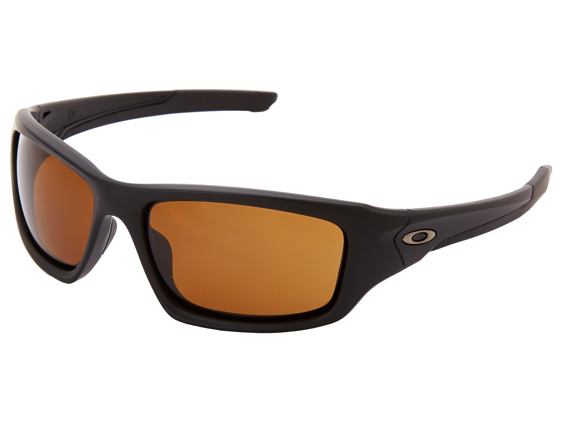 oakley black single men Oakley has extended its leadership position as the world's leading sports eyewear brand into apparel, footwear and accessories collections laser focused on the consumer, oakley has both.