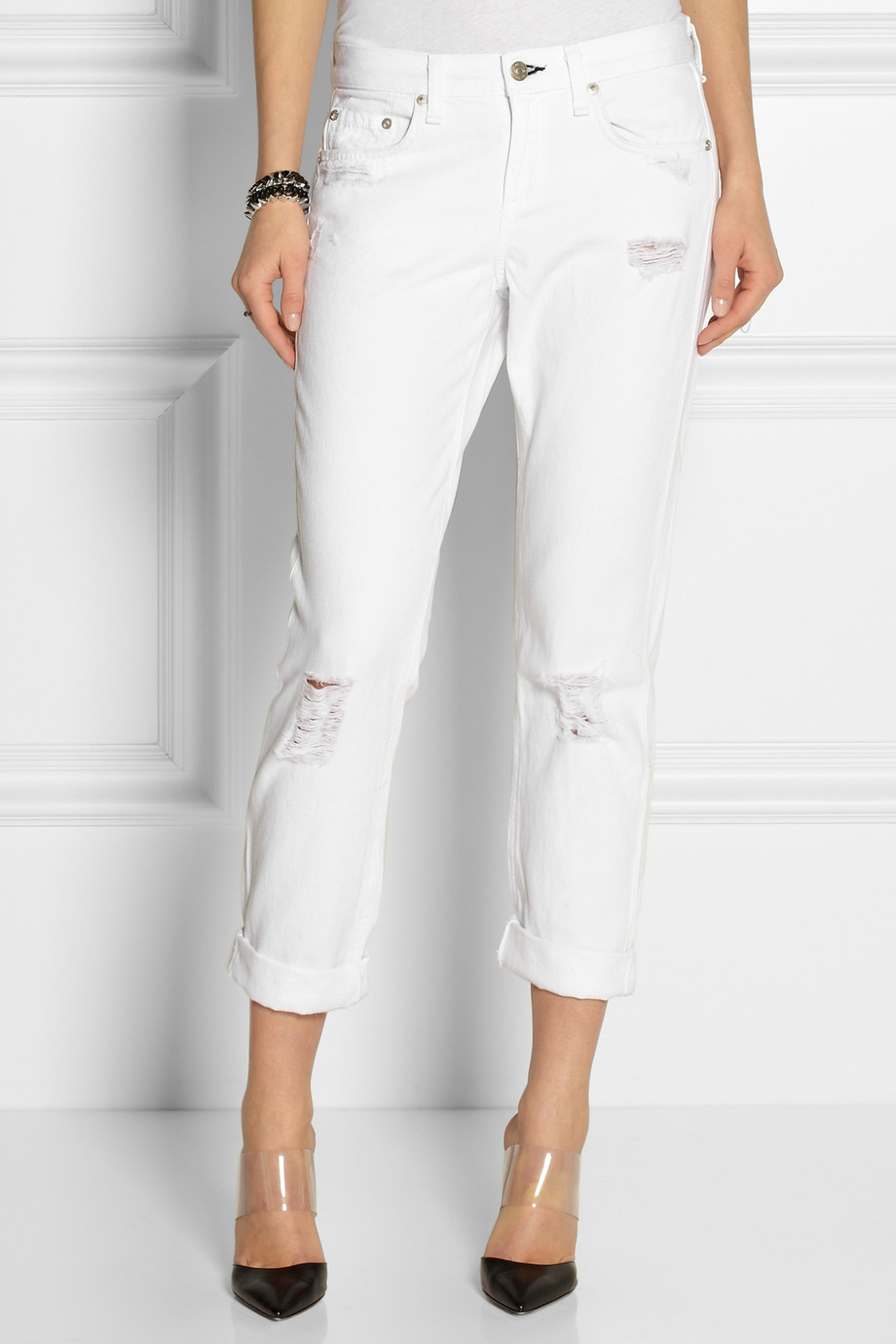 Rag & bone Distressed Cropped Boyfriend Jeans in White | Lyst