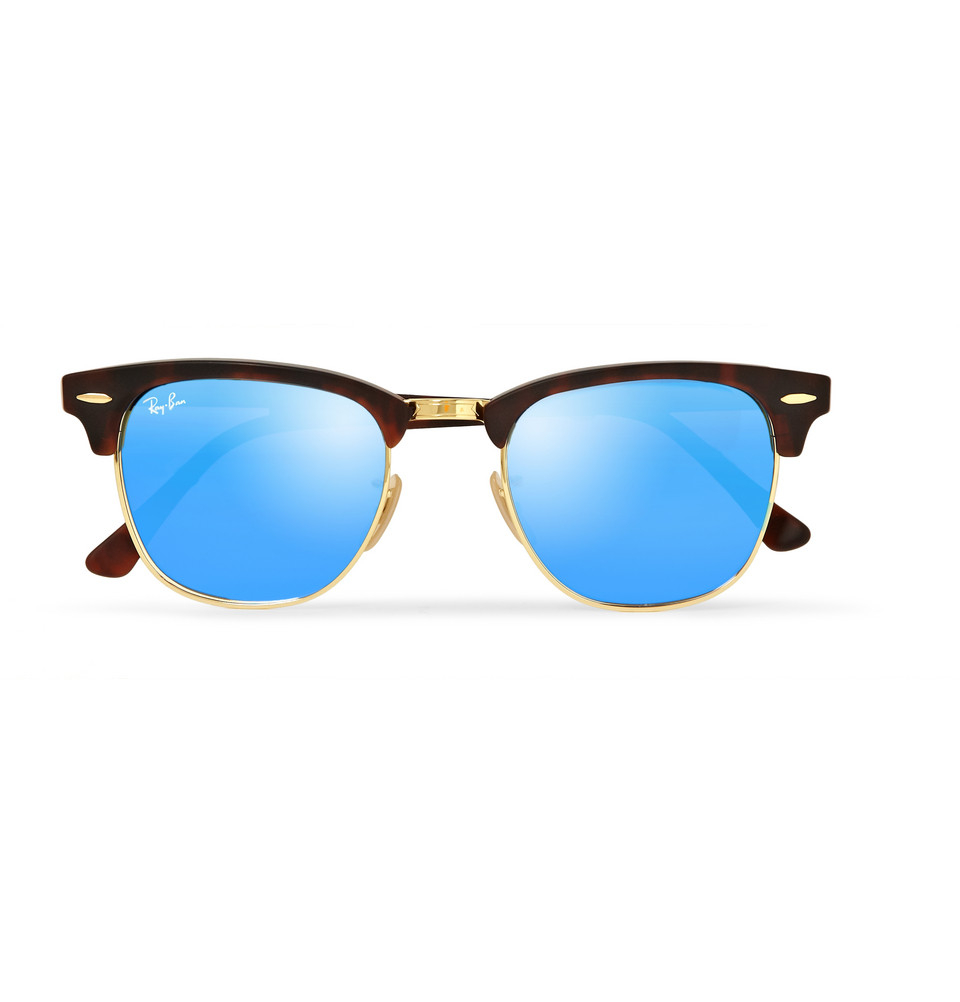 Mirrored sunglasses are available from various sunglasses brands in India such as JRS by Coolwinks Sunglasses. The latest collection from these branded mirror shades can be bought in non-prescription and prescription sunglasses lenses in various shapes and colours.