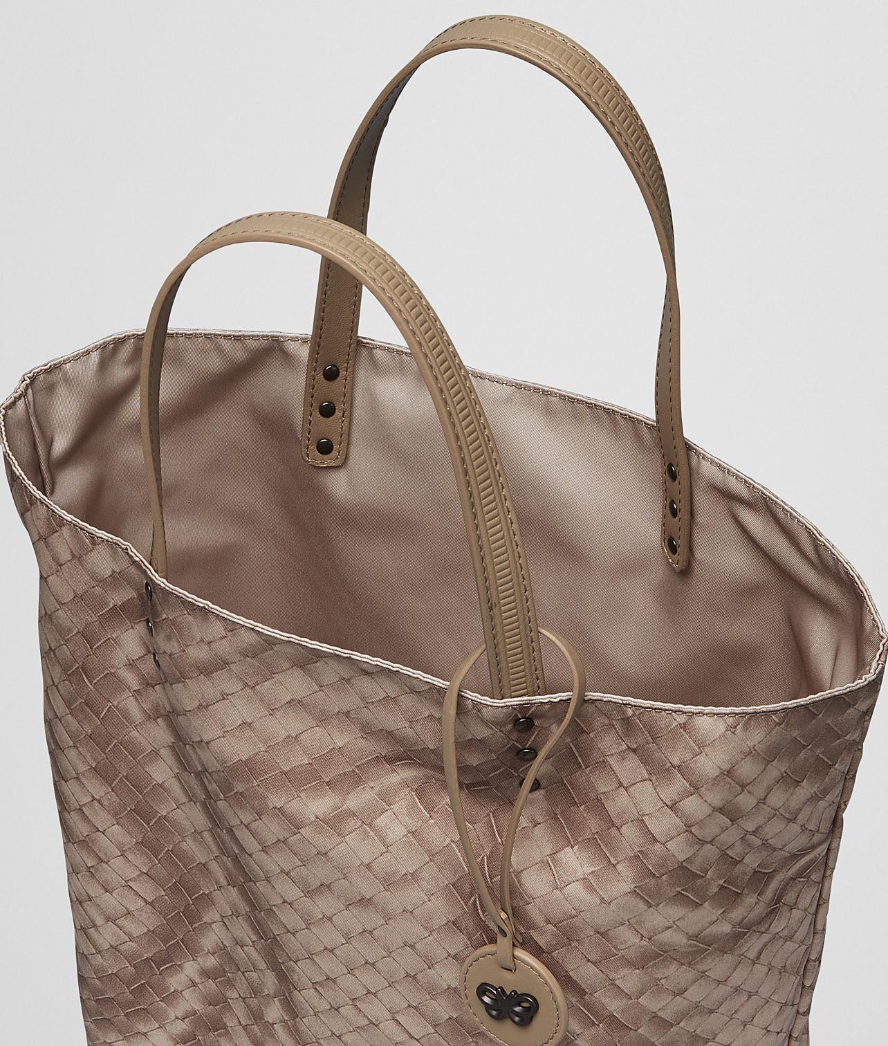 573f2d39dd Bottega veneta Sand Intrecciolusion Tote Bag in Beige (Sand)