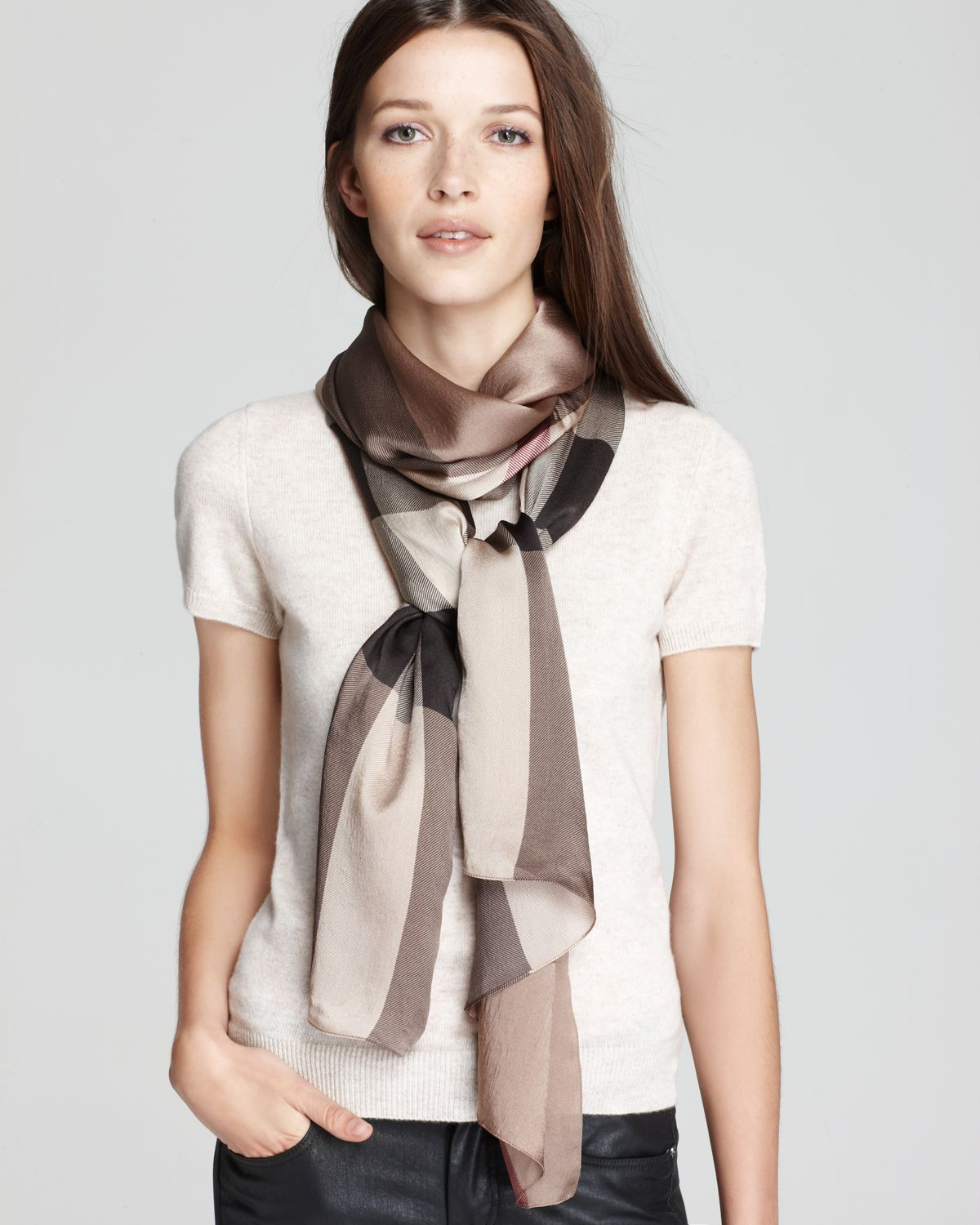 burberry clothing outlet z2b7  burberry check silk scarf