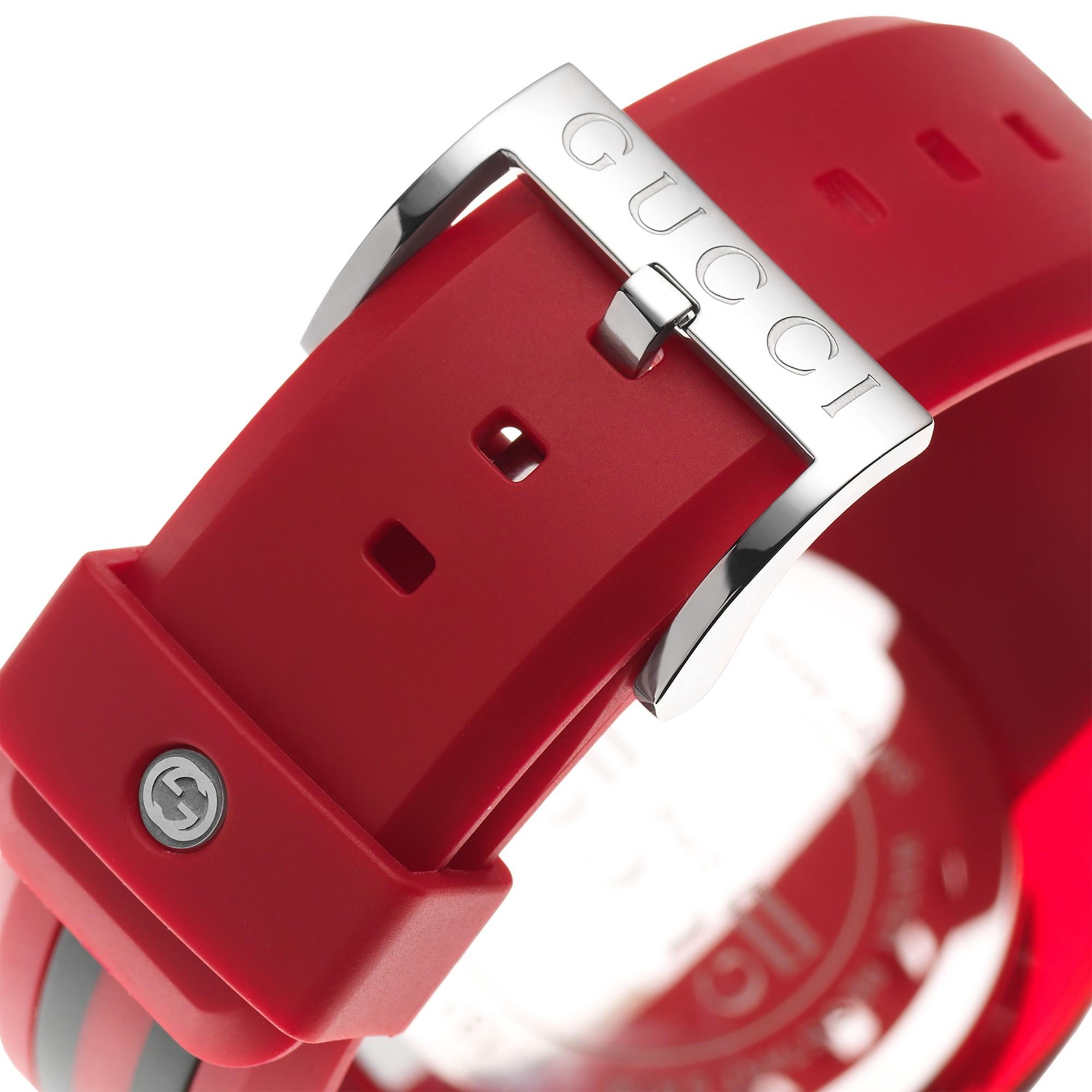 166aecdcda4 Gucci Ya137103 Unisex Sync Rubber Strap Watch in Red for Men - Lyst