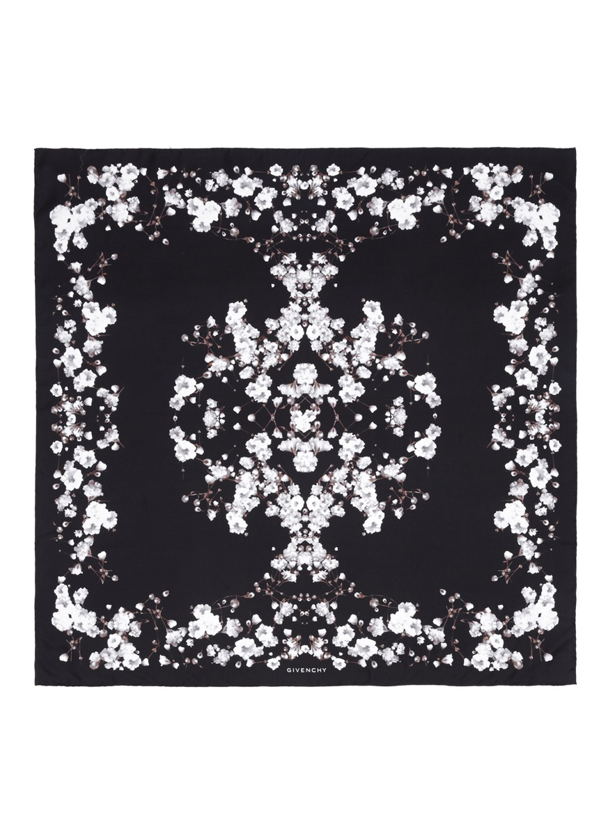 Givenchy Baby's Breath Floral Print Silk Scarf in Black | Lyst