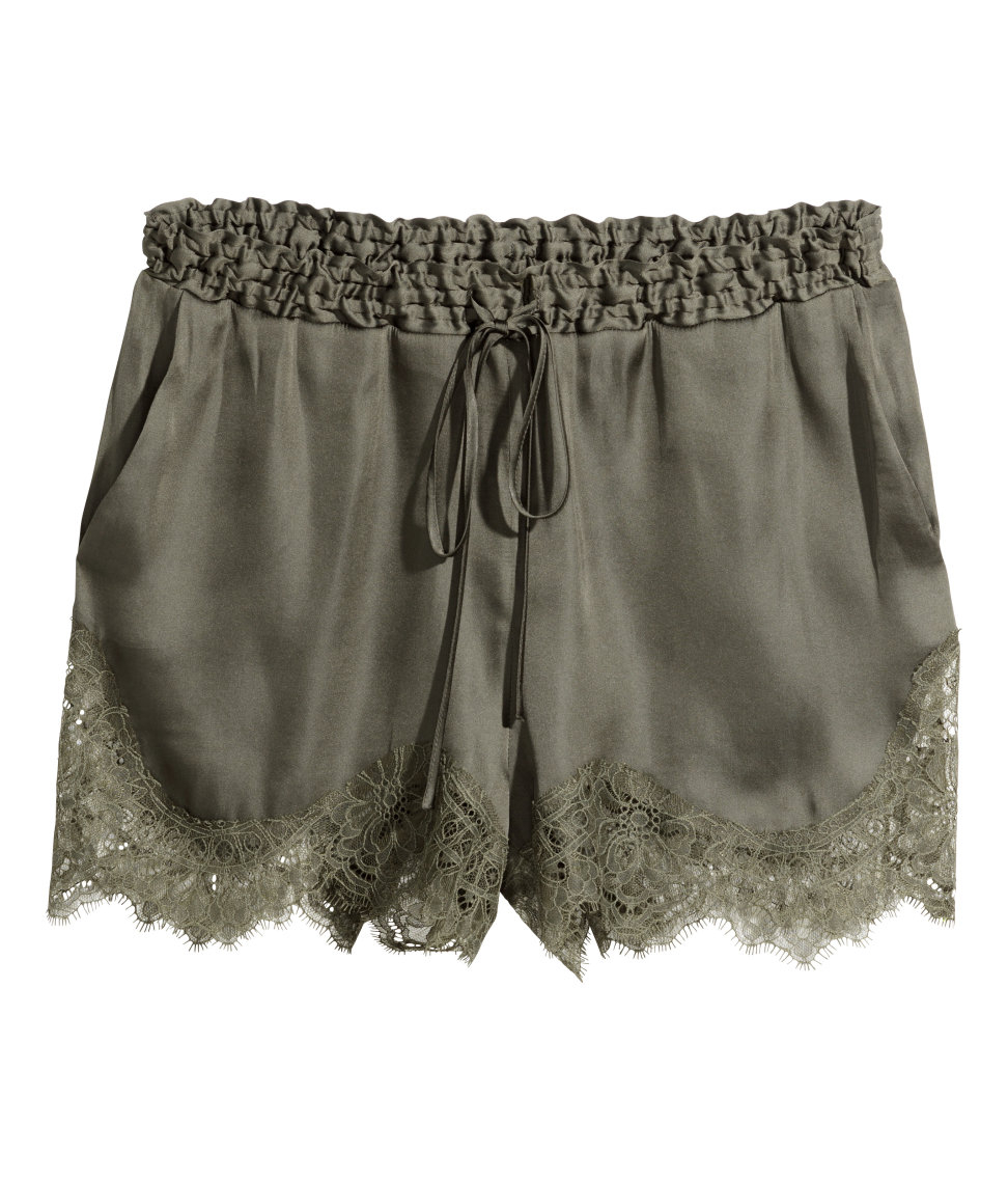 H&m Satin Shorts With Lace in Natural | Lyst