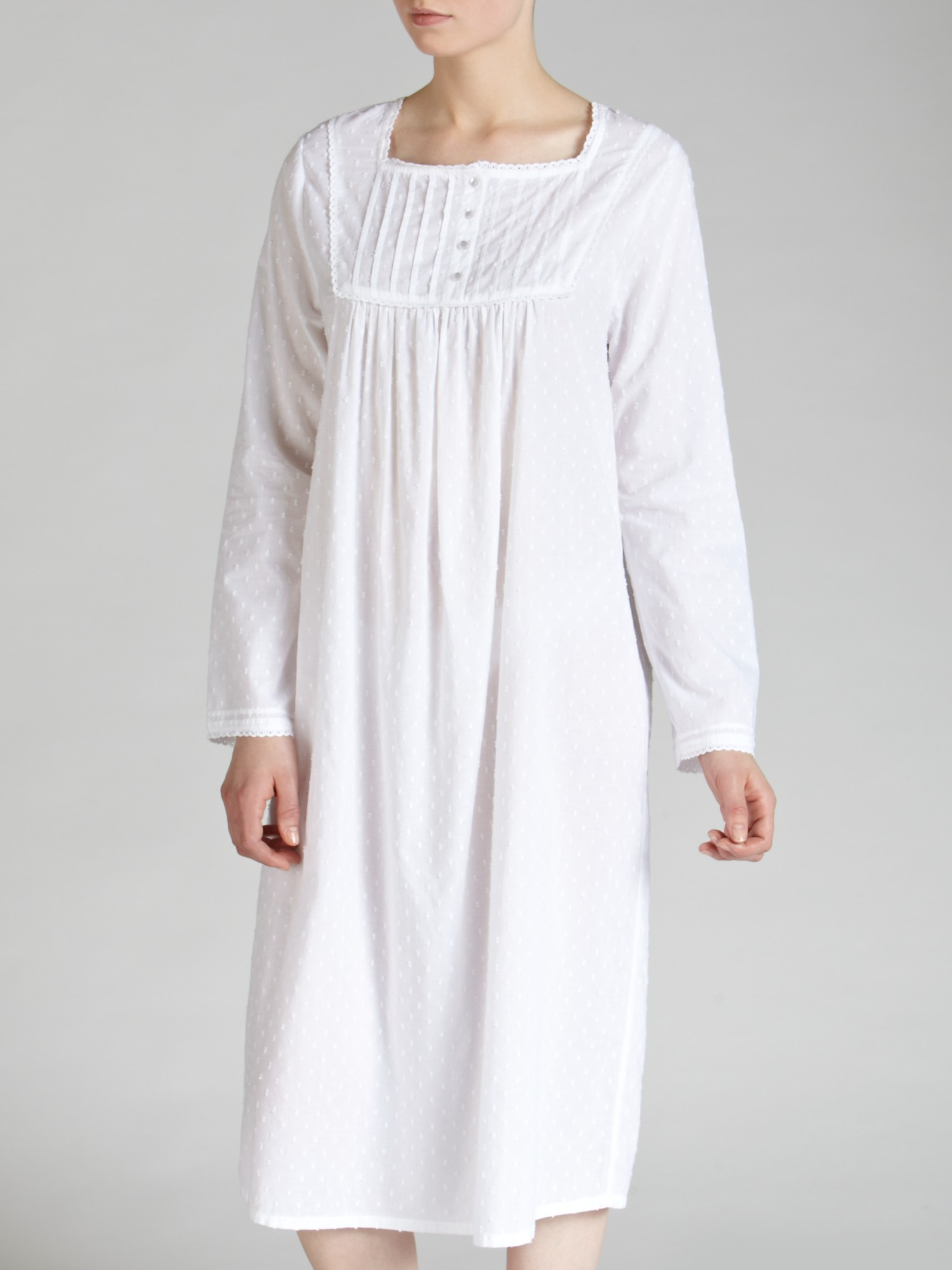 Magnificent Granny Night Gown Vignette - Wedding and flowers ...