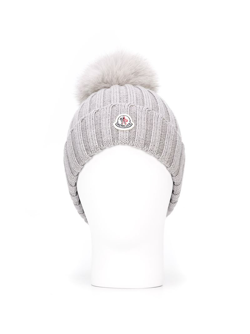 36ea1658a73 Moncler Bobble Top Beanie in Gray - Lyst