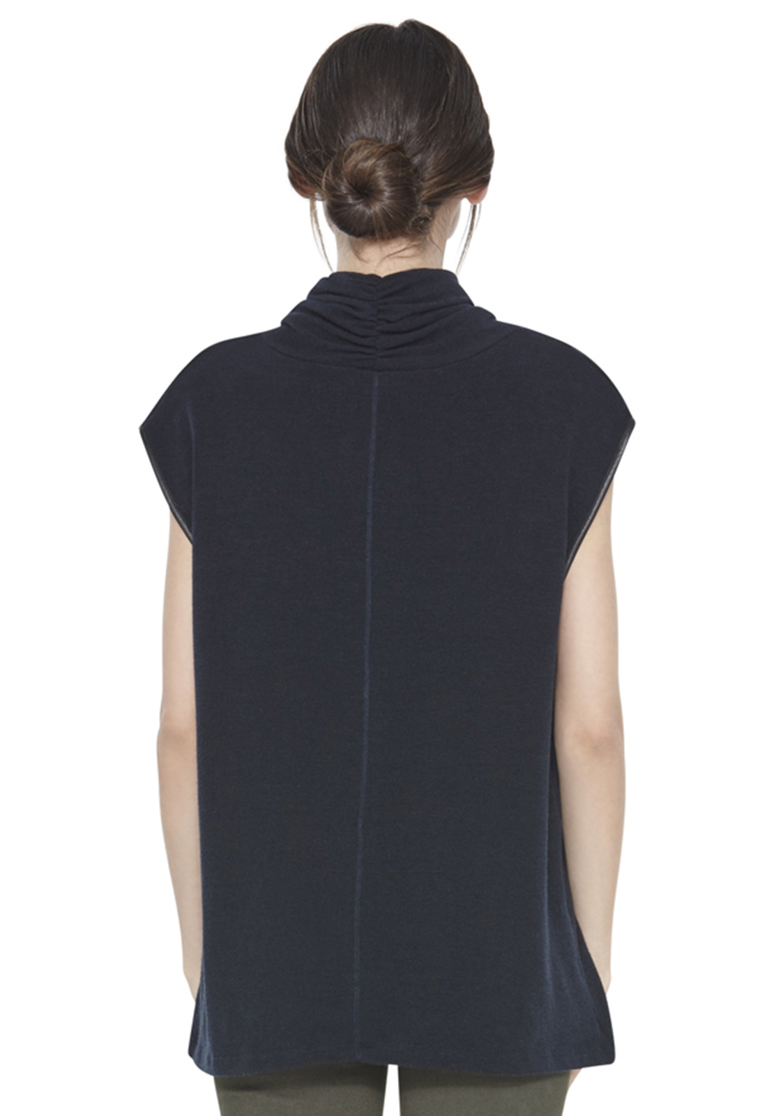 Alice Olivia Cowl Turtleneck Sleeveless Top In Black Lyst