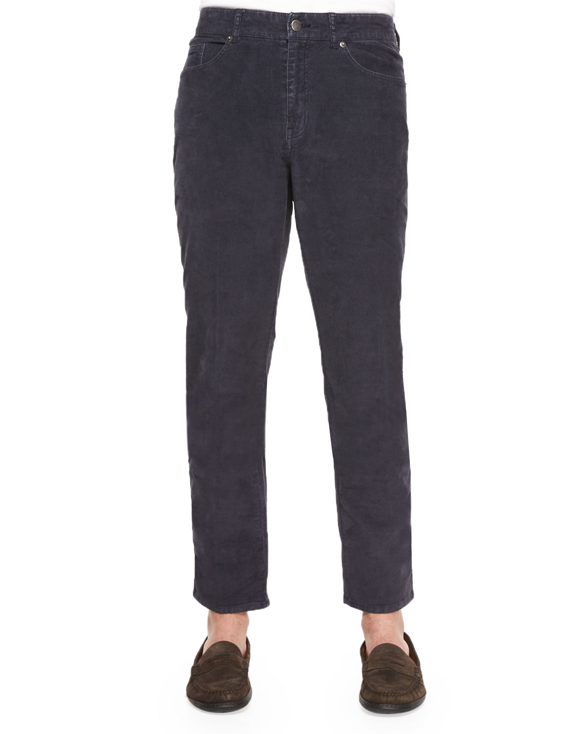 The velvety-soft look of rich ribbed corduroy, enhanced with the comfort of stre