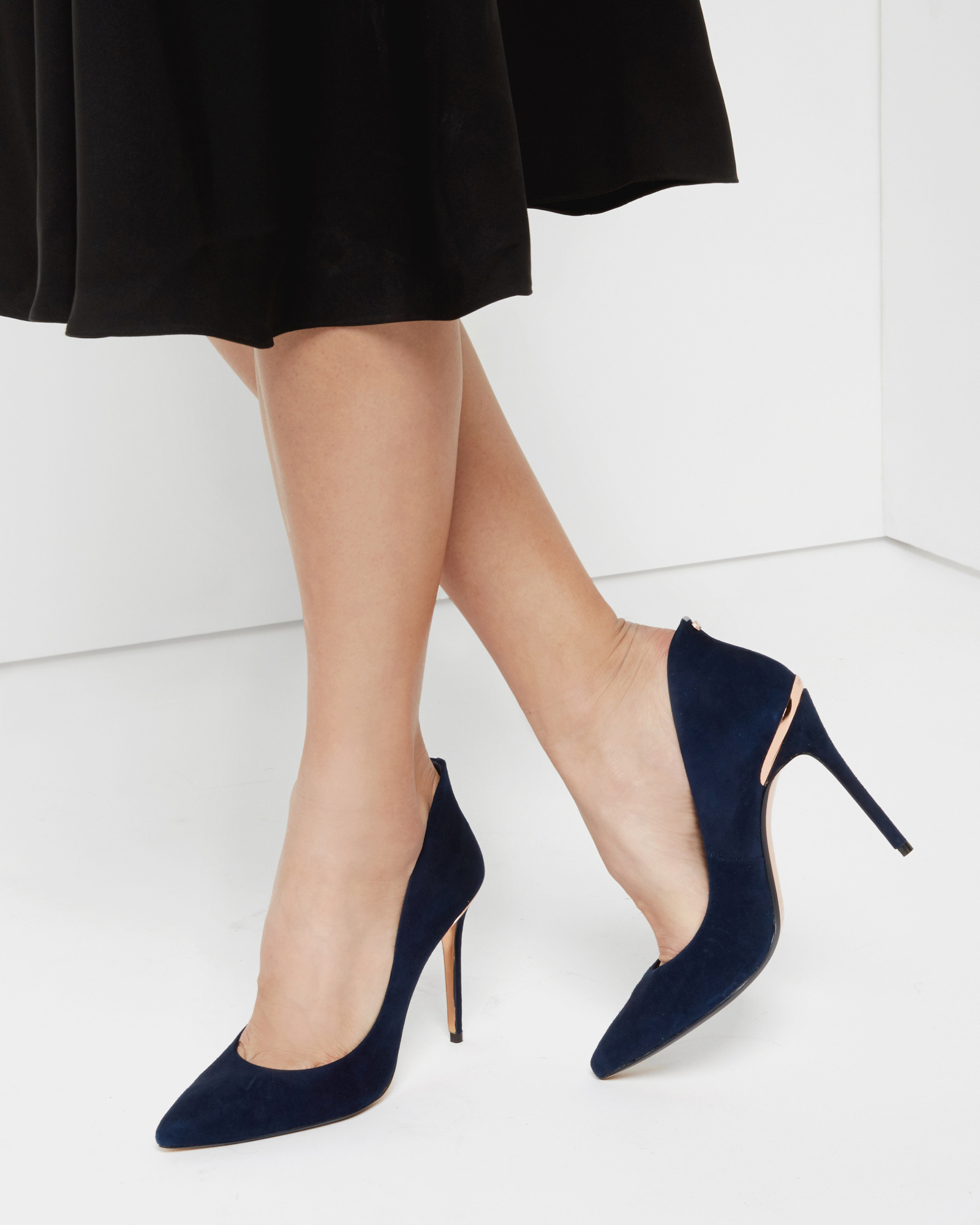 c9b3cf569efbbf Lyst - Ted Baker Pointed Leather Court Shoes in Blue