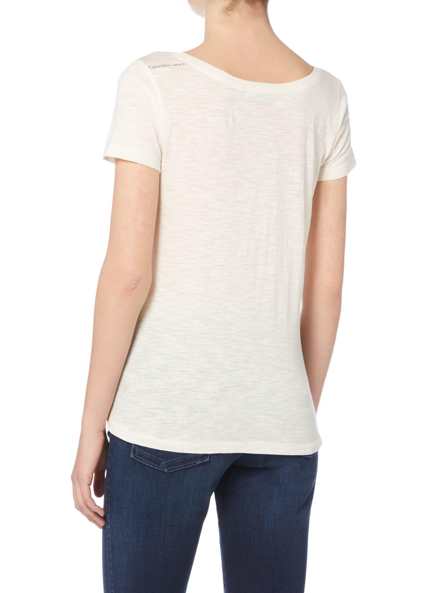 Lyst calvin klein tica print slim fit t shirt in white for Slim fit white t shirt