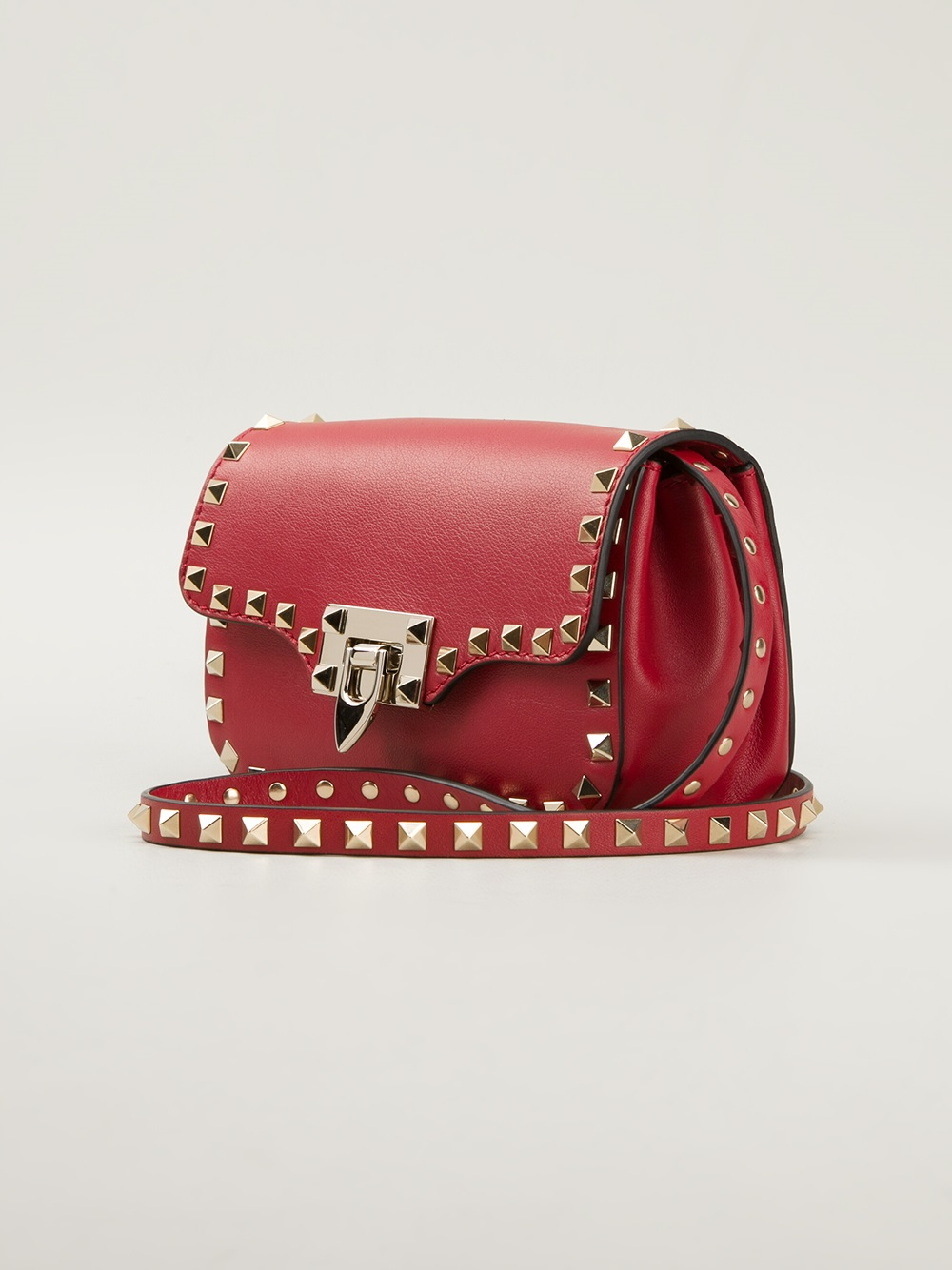 e893f22ac080f Gallery. Previously sold at  Farfetch · Women s Valentino Rockstud Bags ...