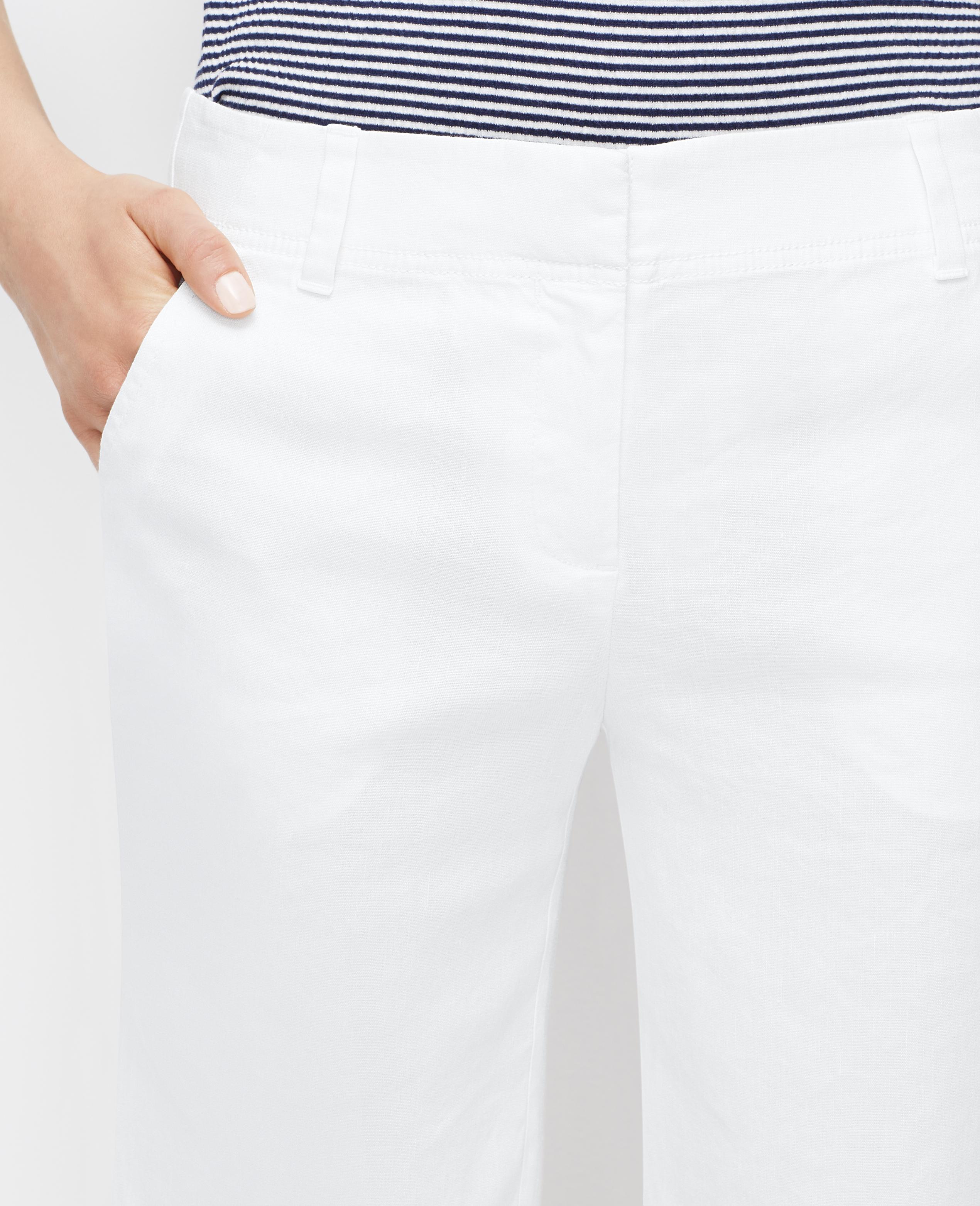 Ann taylor Linen Blend Walking Shorts in White | Lyst