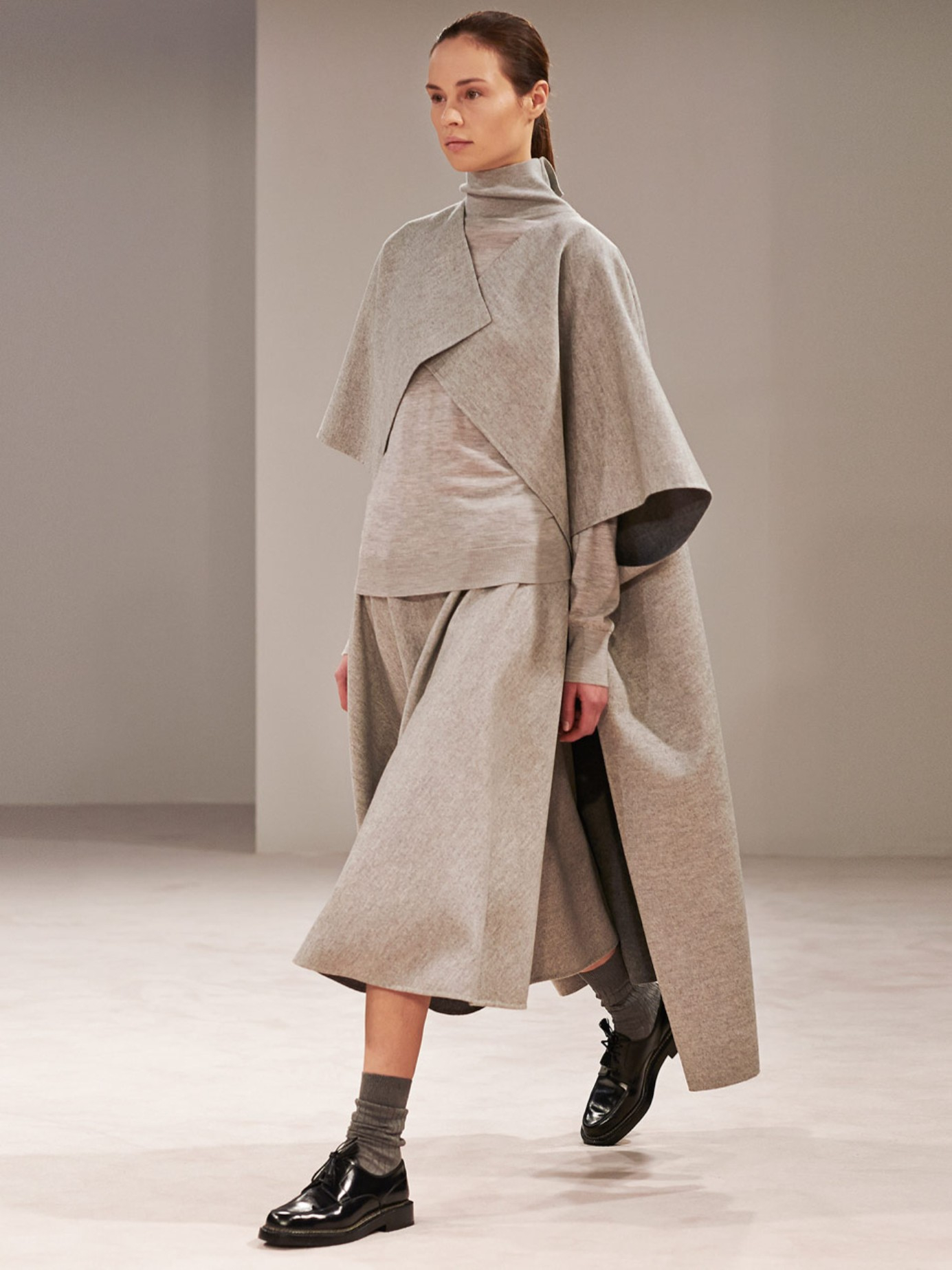 The row Nisha Double-faced Wool Midi Skirt in Gray | Lyst