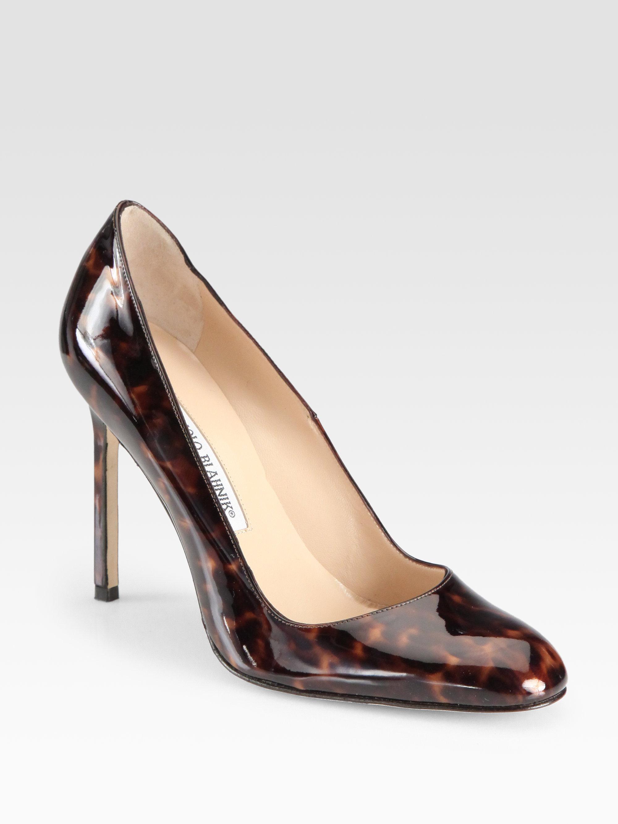 Manolo blahnik bb tortoiseprint patent leather pumps in for Shoe designer manolo blahnik