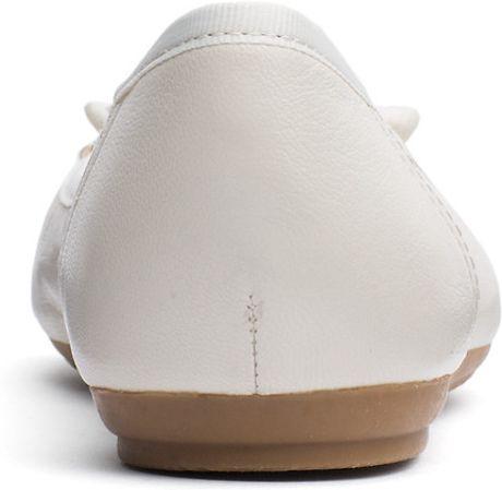 tommy hilfiger camilla ballerina in beige whisper white. Black Bedroom Furniture Sets. Home Design Ideas