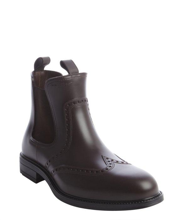 ferragamo chestnut rubber tooled wingtip boots in