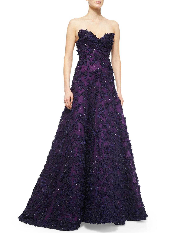 lyst oscar de la renta strapless sweetheart floral applique gown in purple. Black Bedroom Furniture Sets. Home Design Ideas