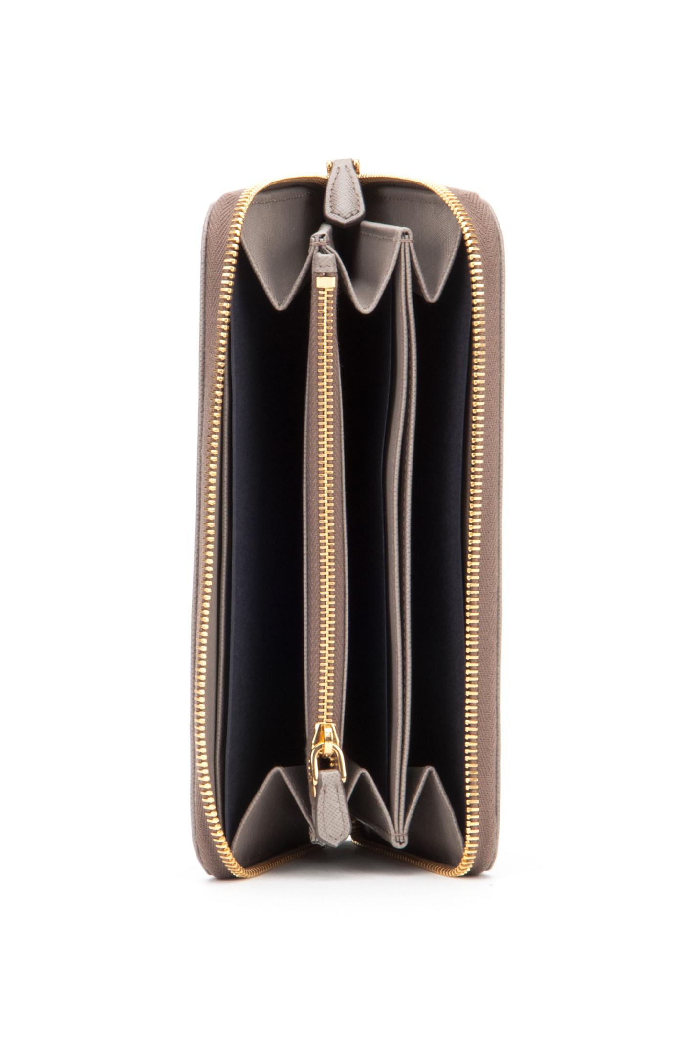 Prada Portafoglio Saffiano Metal Oro in Gray (ARGILLA) | Lyst