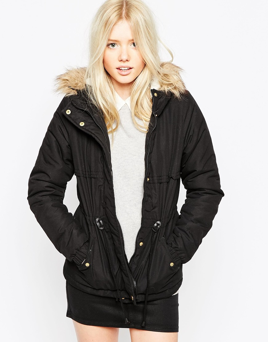 vero moda short parka jacket with faux fur hood in black. Black Bedroom Furniture Sets. Home Design Ideas