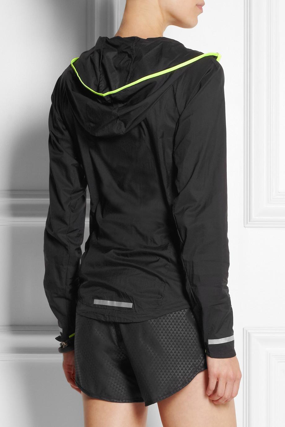 cb8f6021ecd4 Lyst - Nike Impossibly Light Shell Running Jacket in Black