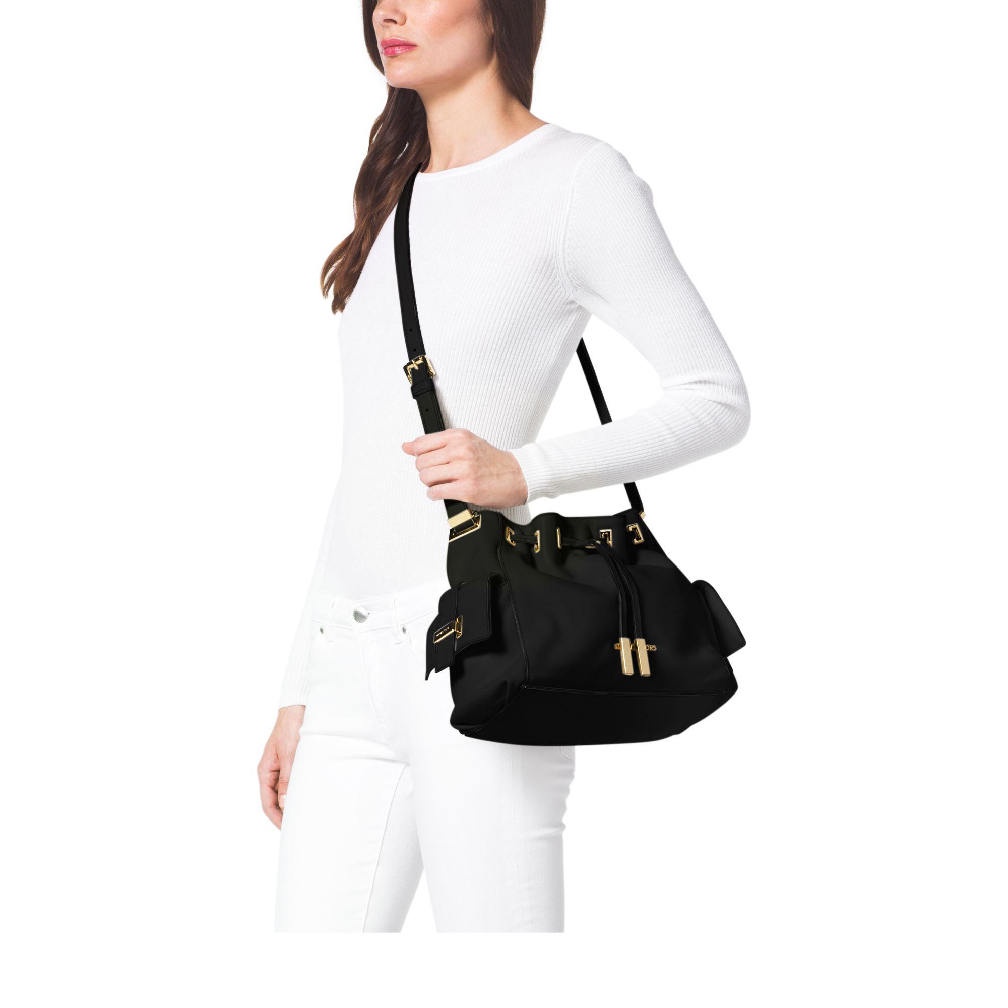8e00e151ab9c ... Bag €150.00 Michael kors Marly Medium Drawstring Leather Messenger in  Bl ...