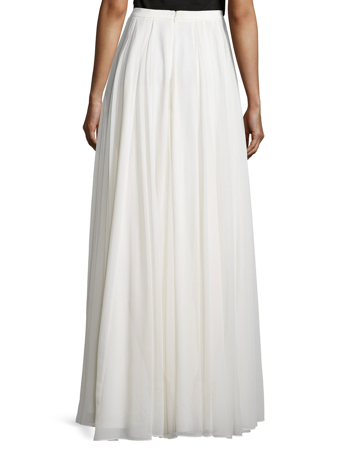 Halston Flowy Pleated Maxi Skirt in White | Lyst