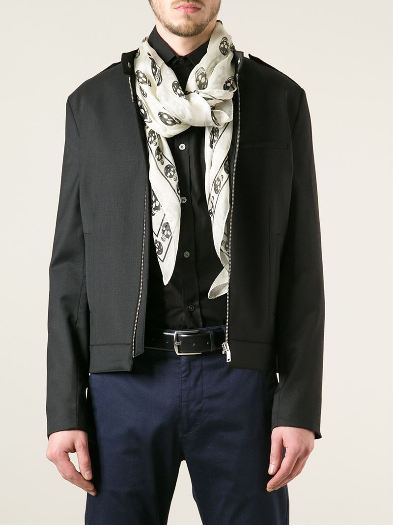 Looks - How to alexander a wear mcqueen scarf video