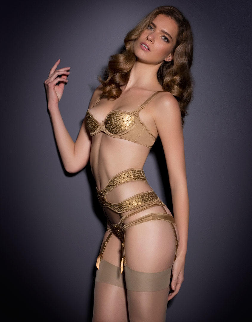 agent provocateur astra suspender gold in metallic lyst. Black Bedroom Furniture Sets. Home Design Ideas