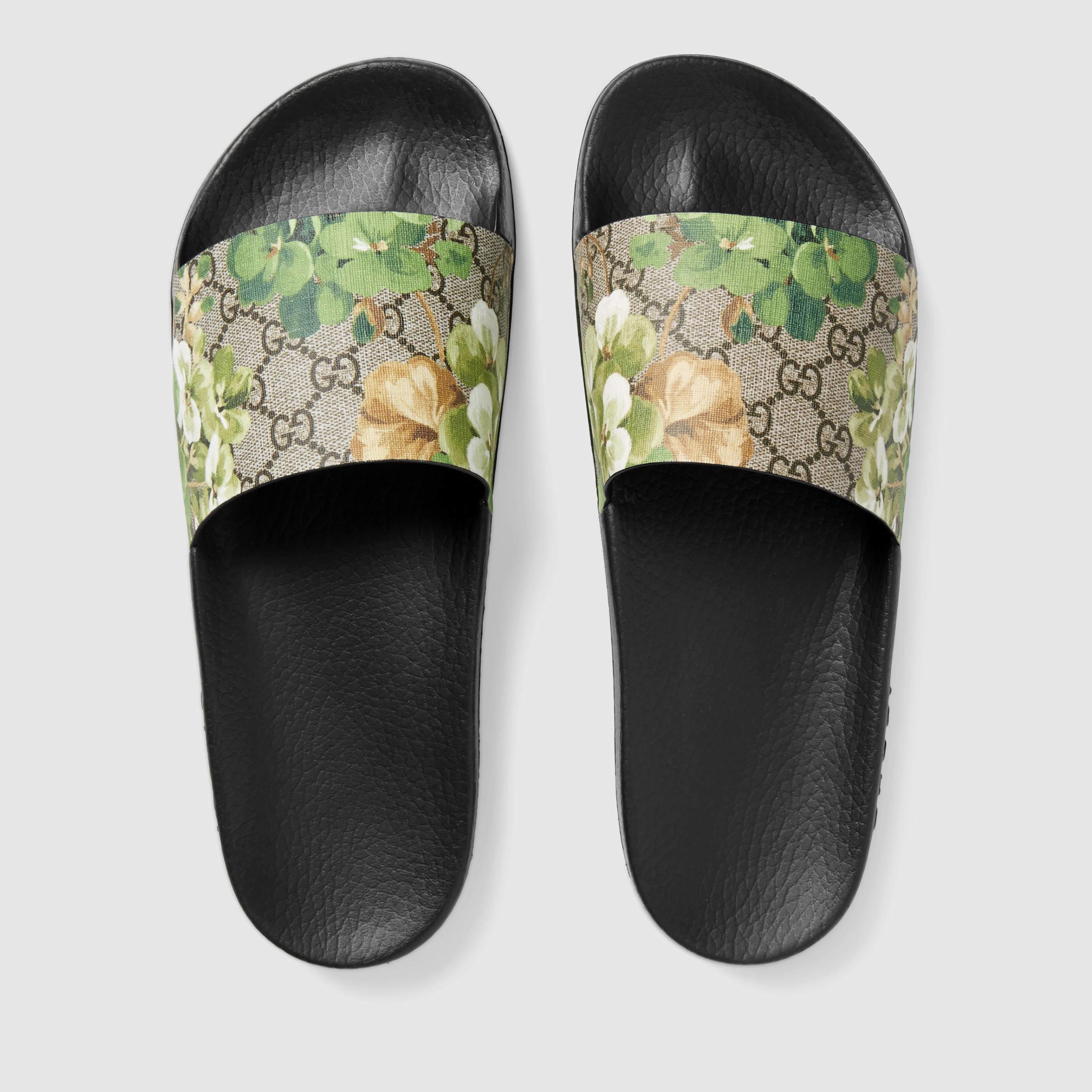 26b418b50be Lyst - Gucci Blooms Print Sandal