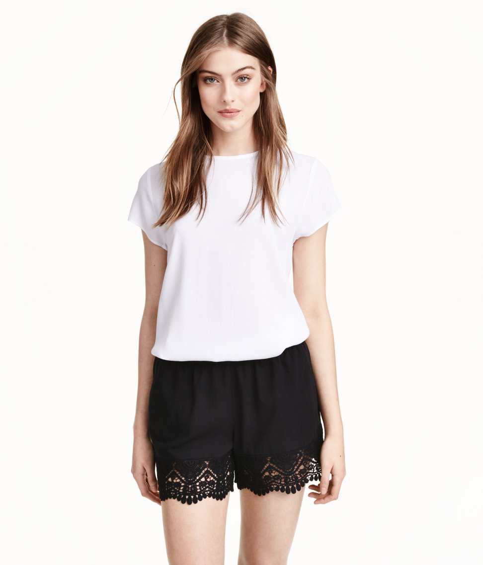 H&m Cotton Shorts With Lace in Black