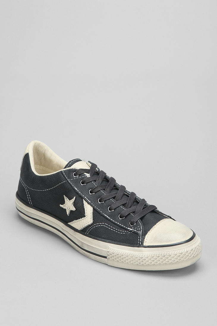 fe642bc9ef16d0 Gallery. Previously sold at  Urban Outfitters · Men s John Varvatos Converse  ...