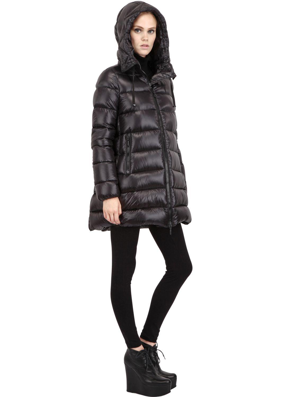 Moncler Suyen Brilliant Nylon Down Coat in Black