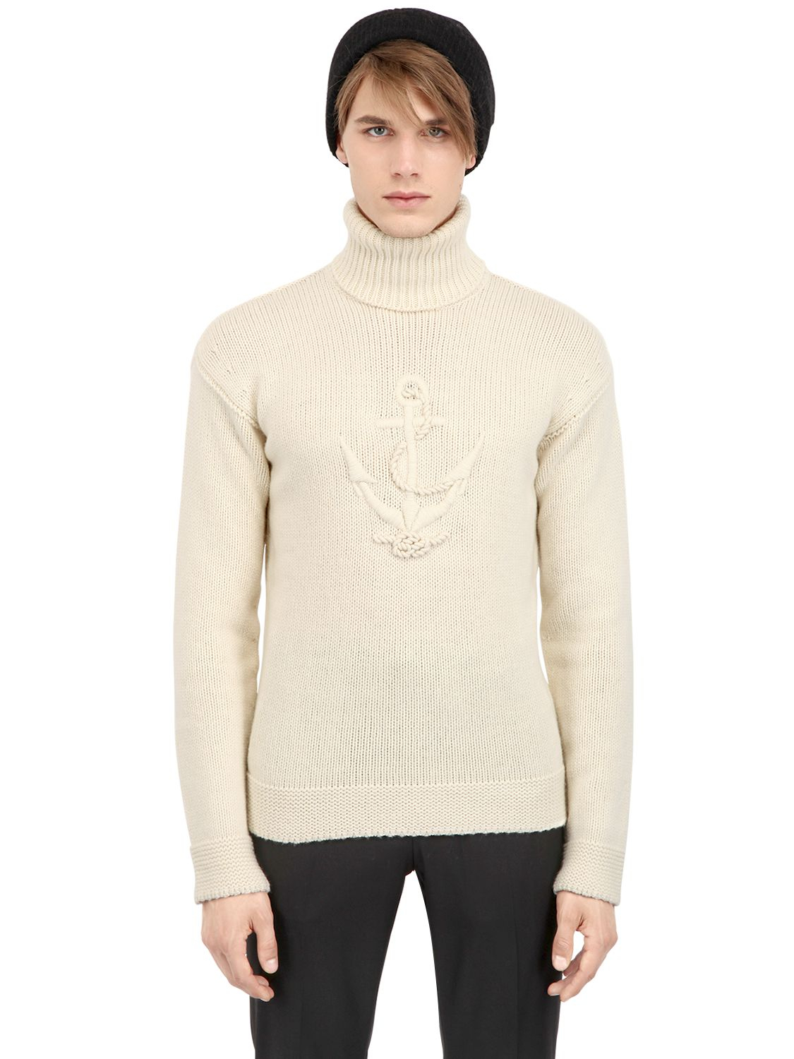 This boys' white long-sleeve turtleneck shirt is crafted in pure cotton. Looks good as a one-piece or an undershirt. metrdisk.cf: $
