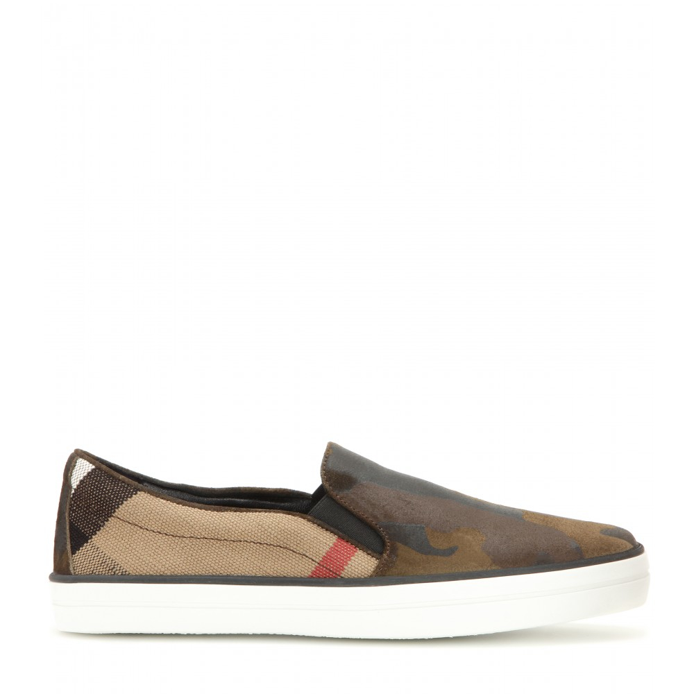 67936e3a5df04 Burberry Brit Camouflage Slip-on Sneakers in Green - Lyst