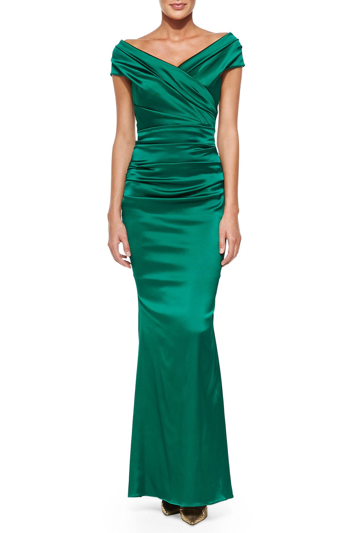Lyst Talbot Runhof Off Shoulder Ruched Mermaid Gown In Green