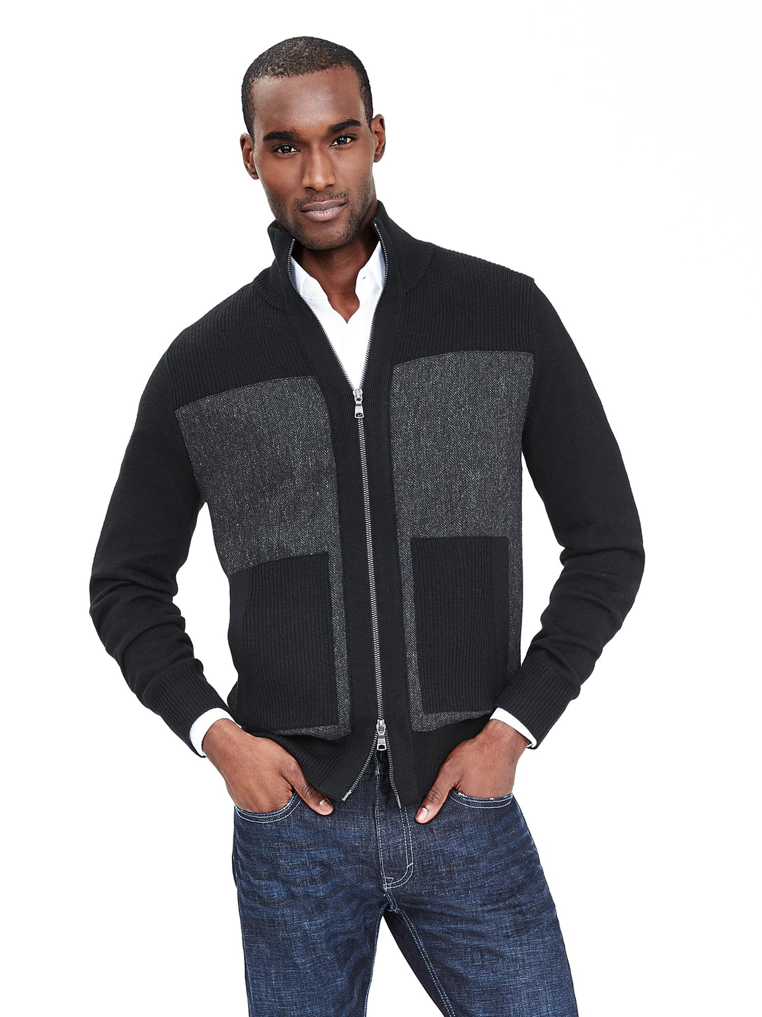 Elevate any wardrobe with Men's Outerwear from Banana Republic Factory. Browse an incredible selection of the latest Men's Outdoor Clothing and find a great fit for any individual style. Create your next great look today with stylish Men's Outerwear from Banana Republic Factory.