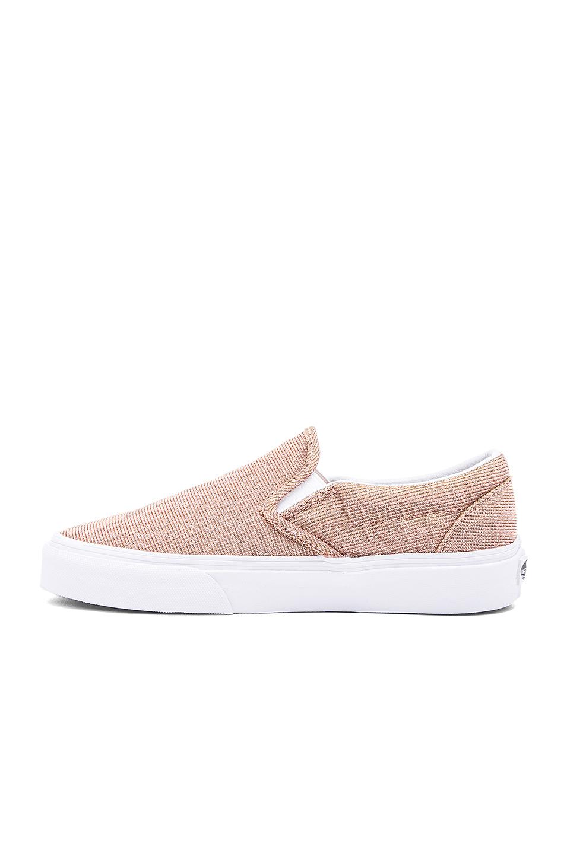 0f81fb5d5d0 Vans Classic Slip On Sneaker in Pink - Lyst