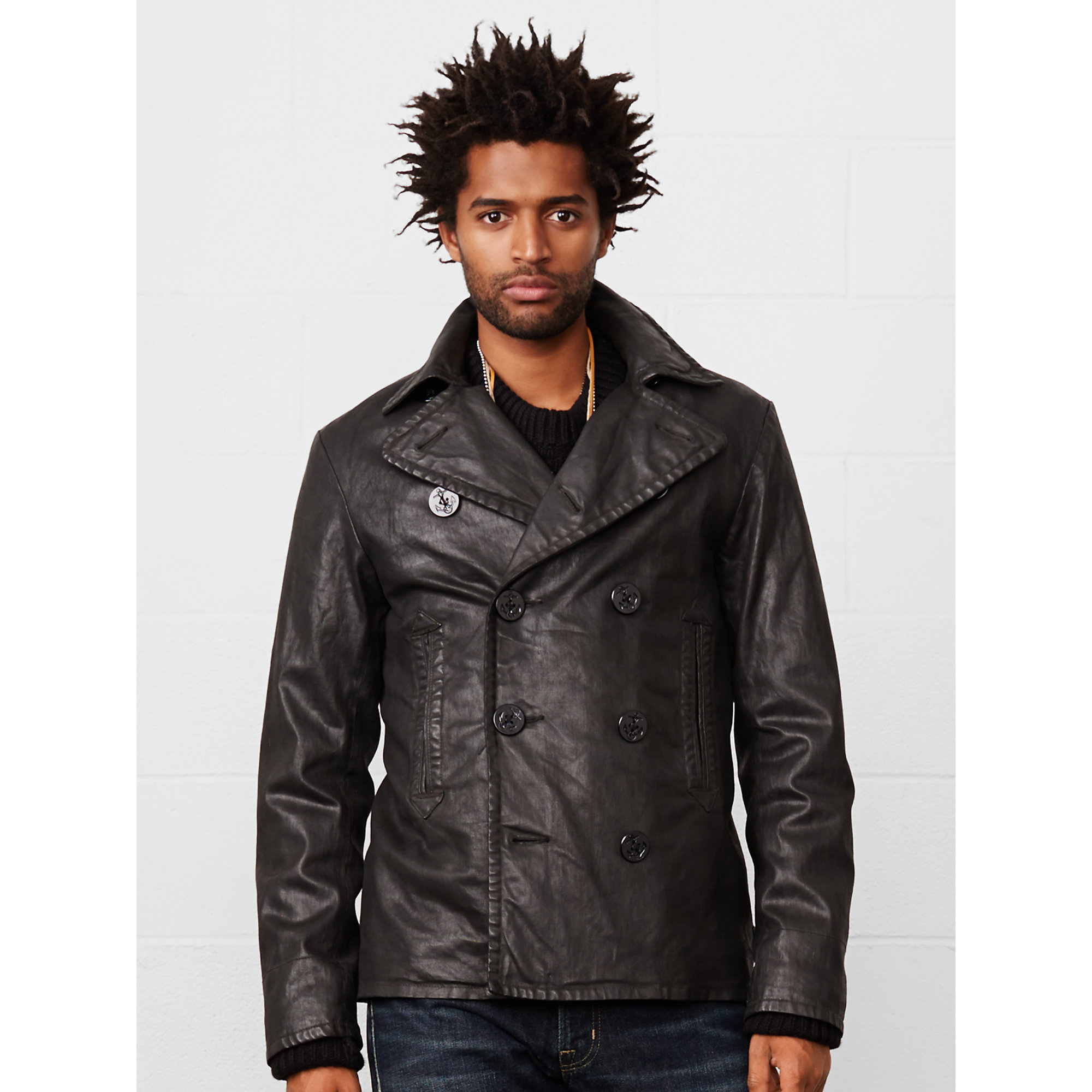 Men's Coats and Jackets Get wrapped up with Topman's selection of men's coats and jackets. We have all the best outerwear styles, find the perfect parka to drape over your suit, go casual with a denim/ bomber jacket or for smarter occasions invest in a classic overcoat with your favourite pair of jeans.